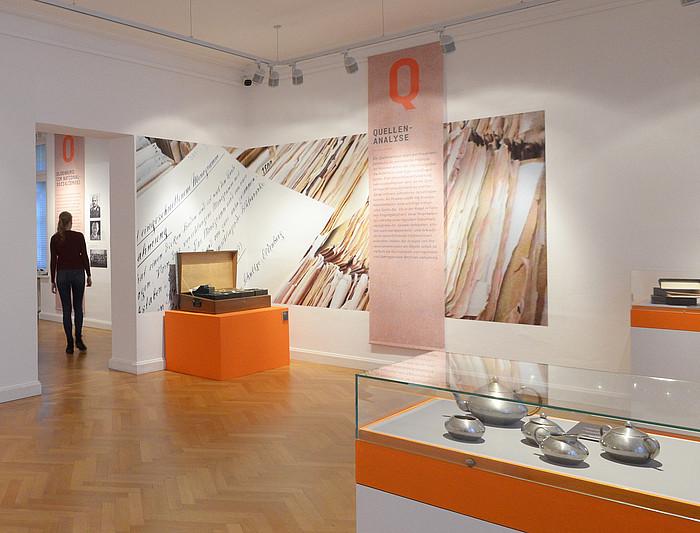 Raumaufnahme herkunft verpflichtet die geschichte hinter den werken landesmuseum oldenburg foto